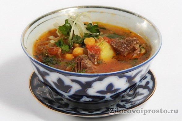 Шурпа – одно из популярных национальных блюд с использованием конины.