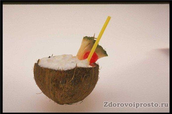 Как кушать кокос - зависит только от собственной фантазии.