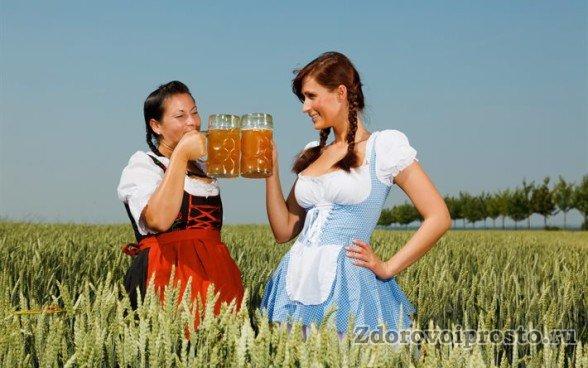 В жару бокальчик белого нефильтрованного пива – самое то.