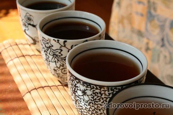 Больше 5 кружек крепкого чая в день наносят вред нервной системе.