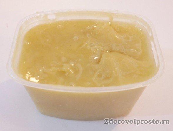 По внешнему виду донниковый мёд очень похож на рапсовый.