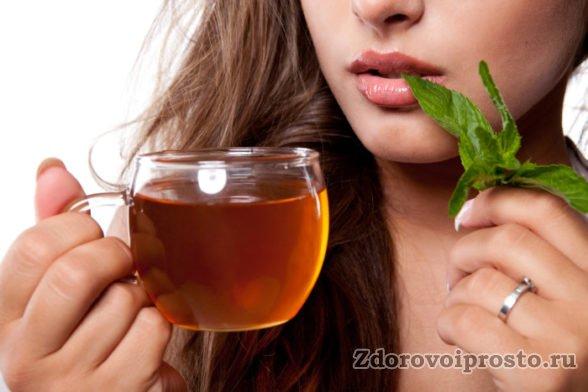 Для проверки аллергии на дягилевый мёд рекомендуется развести чайную ложку мёда в стакане тёплой воды.