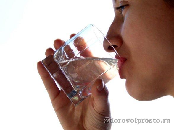 Если уж голодать, то с водой: вред сухого голодания с точки зрения медицины однозначен!