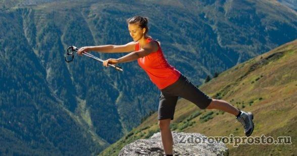 Занятия скандинавской ходьбой без инструктора похожи на эту картинку: сложно, но можно!