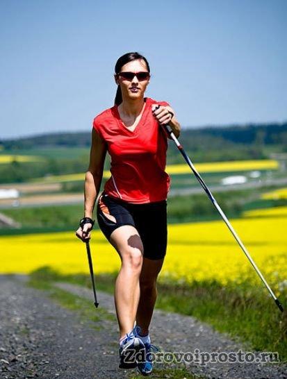 Желаемую нагрузку можно регулировать шириной шага, усилием на палках, а также вращением корпуса.