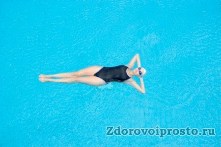 Только в бассейне позвоночник может, наконец-то, отдохнуть…