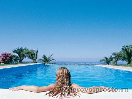 Чем плавание в бассейне полезно особенно, так это тем, что оно расширяет горизонты. Во всех смыслах.