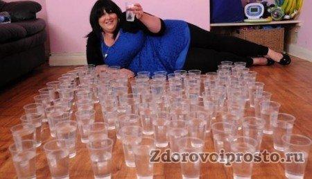 Вот сколько воды в день нужно пить человеку с излишним весом по этой системе. Немножко много, не правда ли?