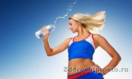 Вот такую форму и всего лишь путём употребления такого вот количества воды обещают сторонники этого ответа на вопрос, сколько воды в день должен выпивать человек.