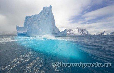При таком способе, как сделать воду талой, понадобится много льда. Не столько, конечно, как здесь, но всё равно порядочно.