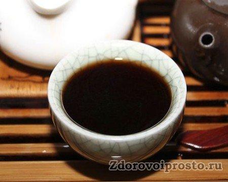 Чай пуэро на вид действительно почти чёрный.